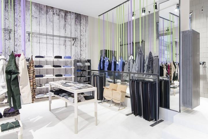 Зеркала для магазинов одежды фото