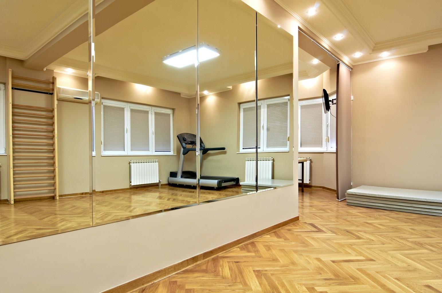 Зеркала для спортзала фото