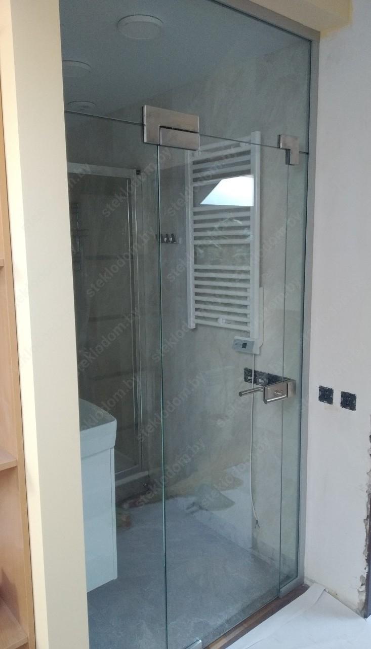 Стеклянная перегородка с маятниковой дверью PWD-9