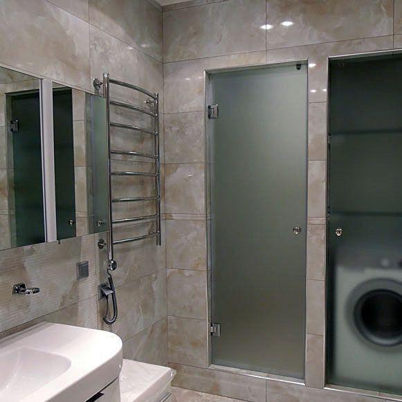 Распашная дверь в душ фото