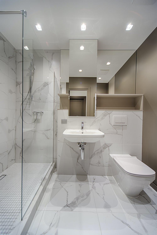Как обустроить маленькую ванную комнату? фото