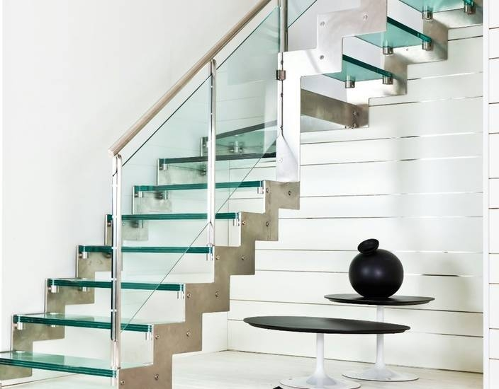 Лестница из стекла